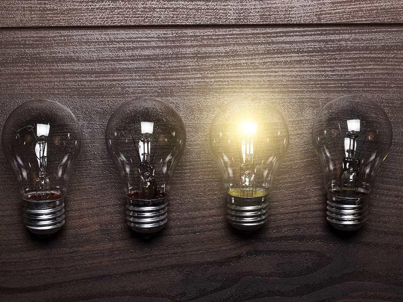 4-light-bulbs-1-lit-up
