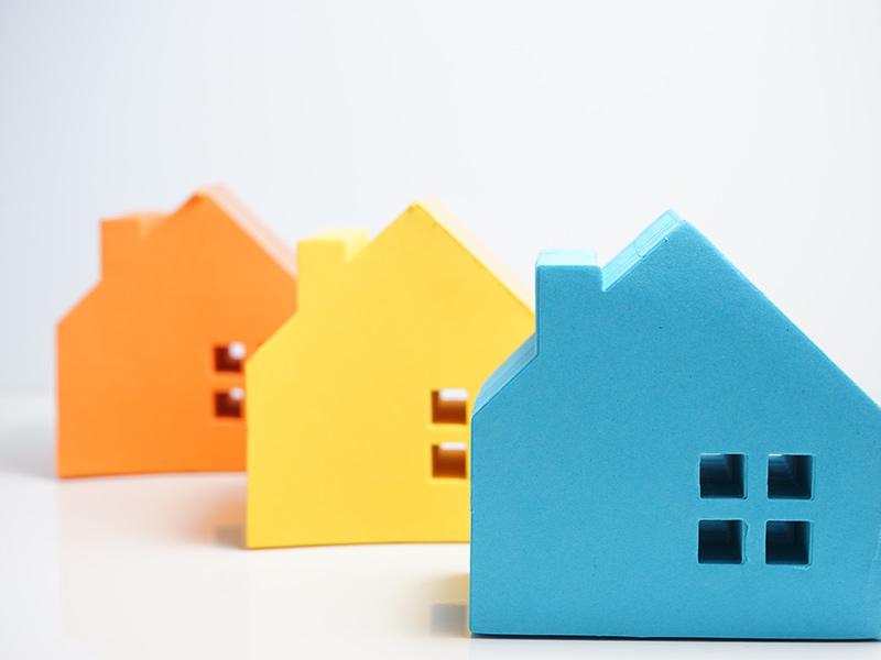 3 Plastic Houses