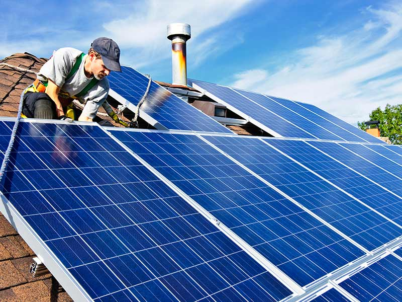 Why is a solar feed in tariff different to net metering?