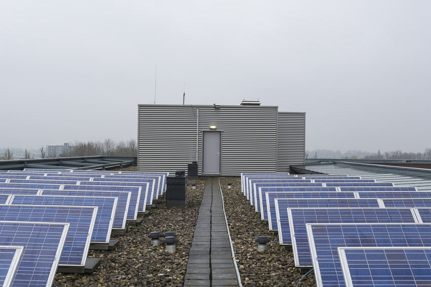 Solar array with battery storage