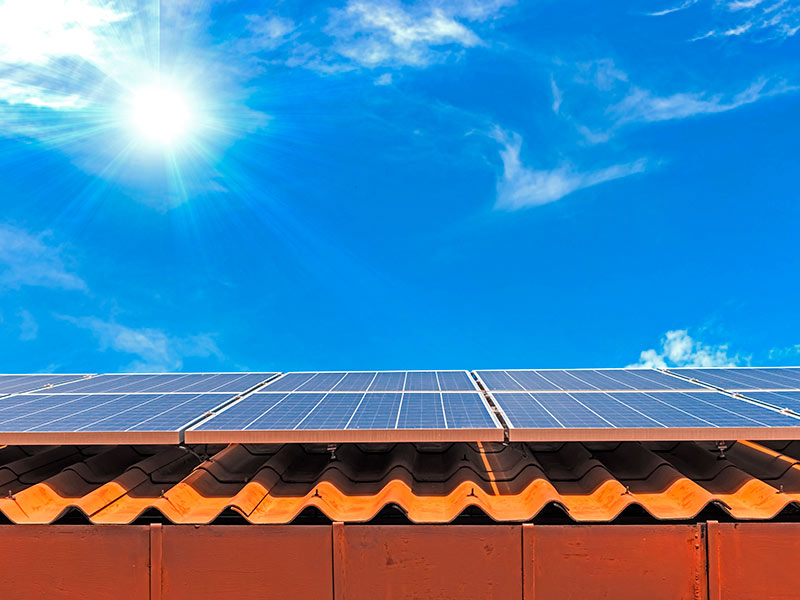 Does the new import tariff make Sunpower solar panels the best choice for residential solar panels?